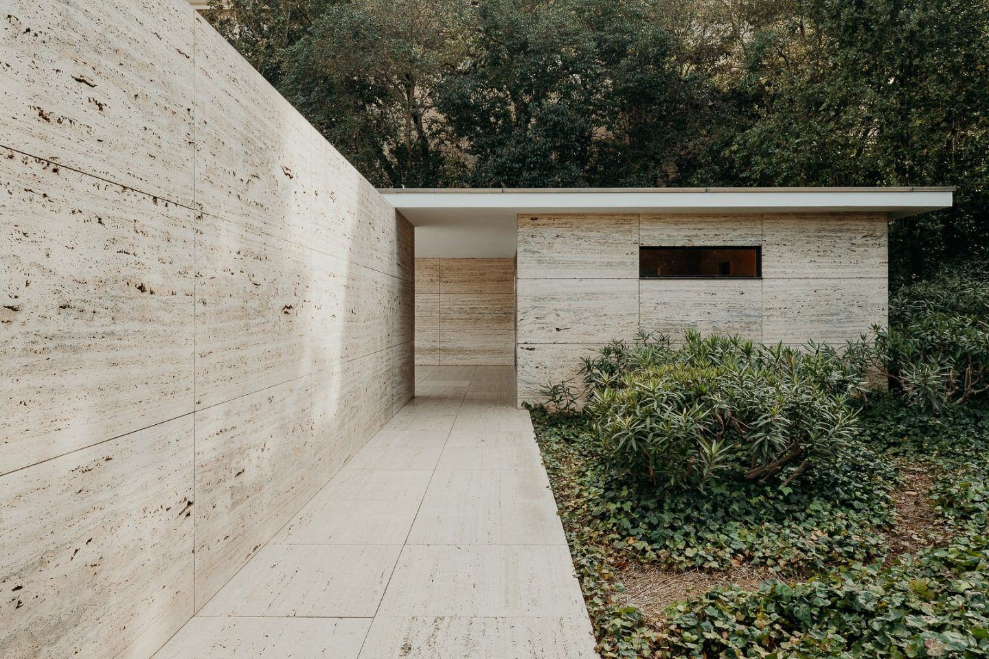 IGNANT-Architecture-Barcelona-Pavilion-Ludwig-Mies-Van-Der-Rohe-Maciej-Jezyk-020