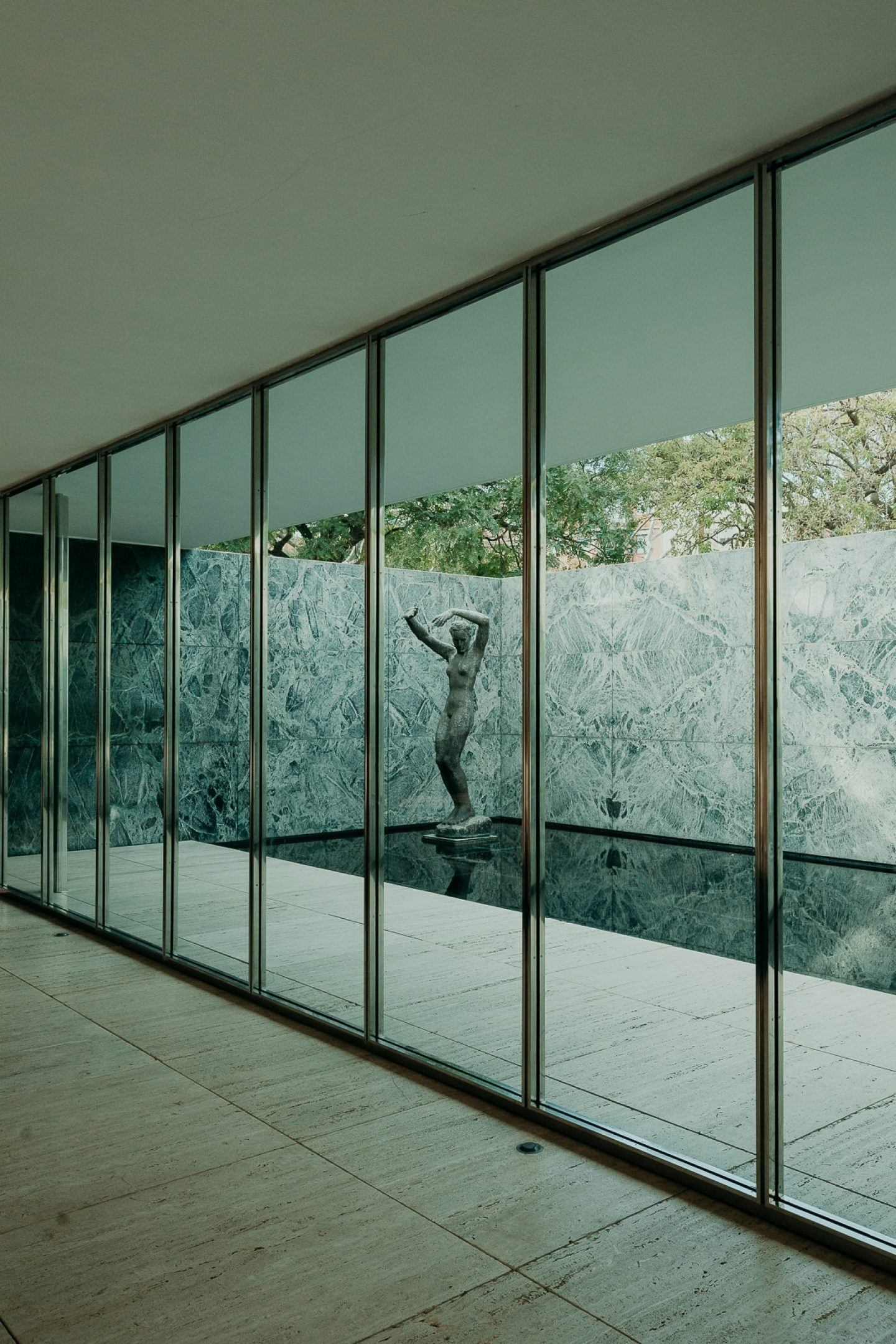 IGNANT-Architecture-Barcelona-Pavilion-Ludwig-Mies-Van-Der-Rohe-Maciej-Jezyk-09