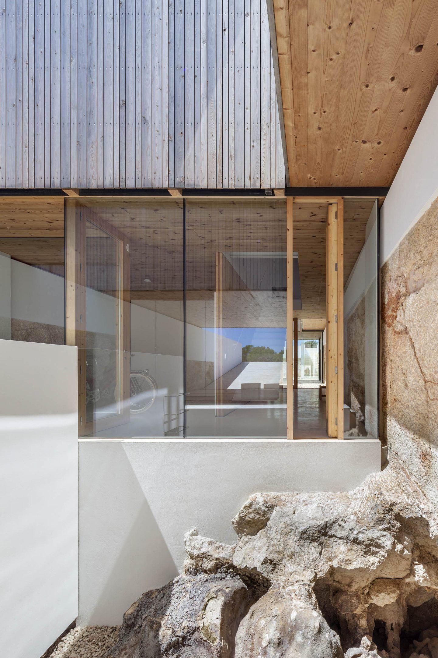 IGNANT-Architecture-Marià-Castelló-Martínez-Bosc-d'en-Pep-Ferrer-010