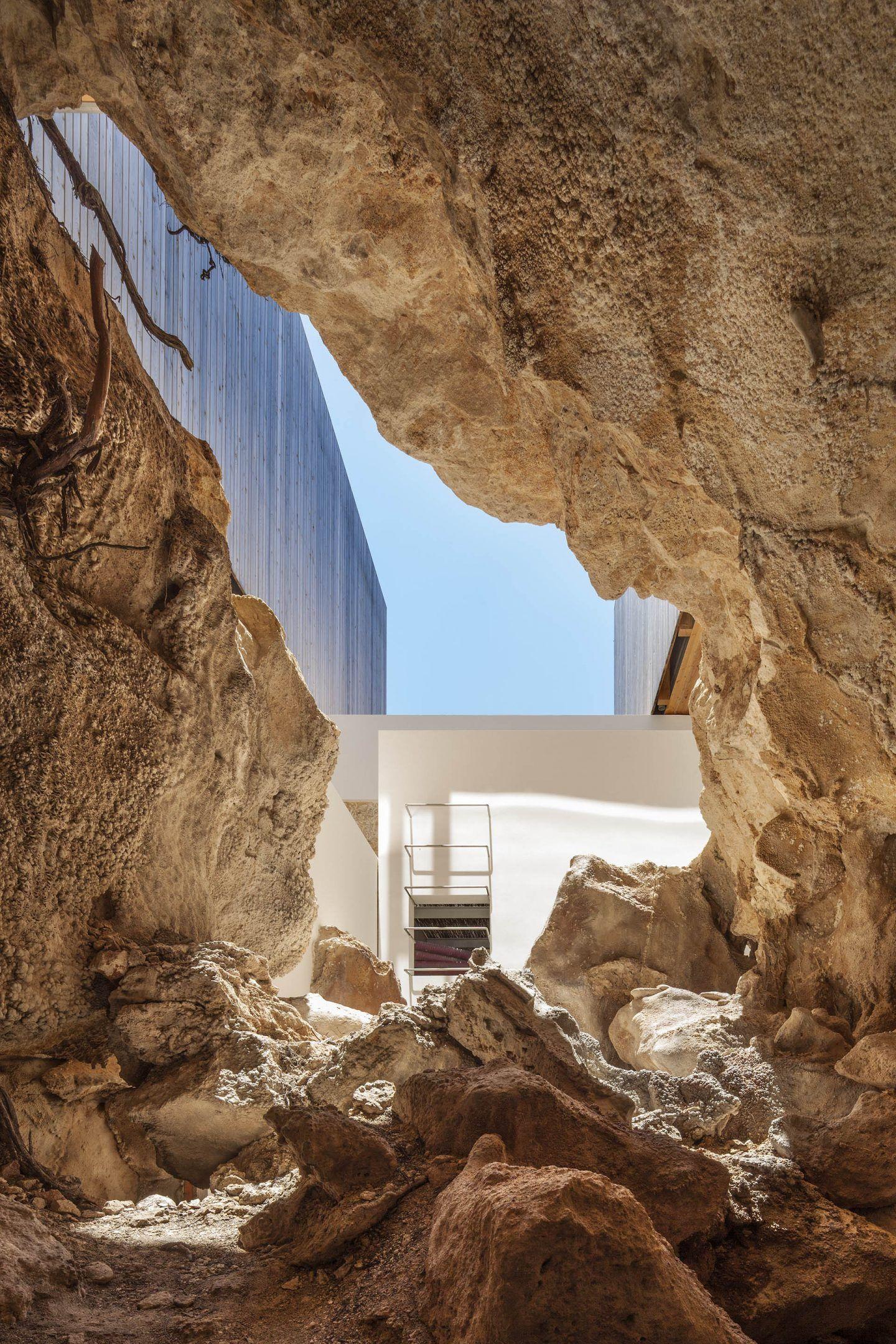 IGNANT-Architecture-Marià-Castelló-Martínez-Bosc-d'en-Pep-Ferrer-011