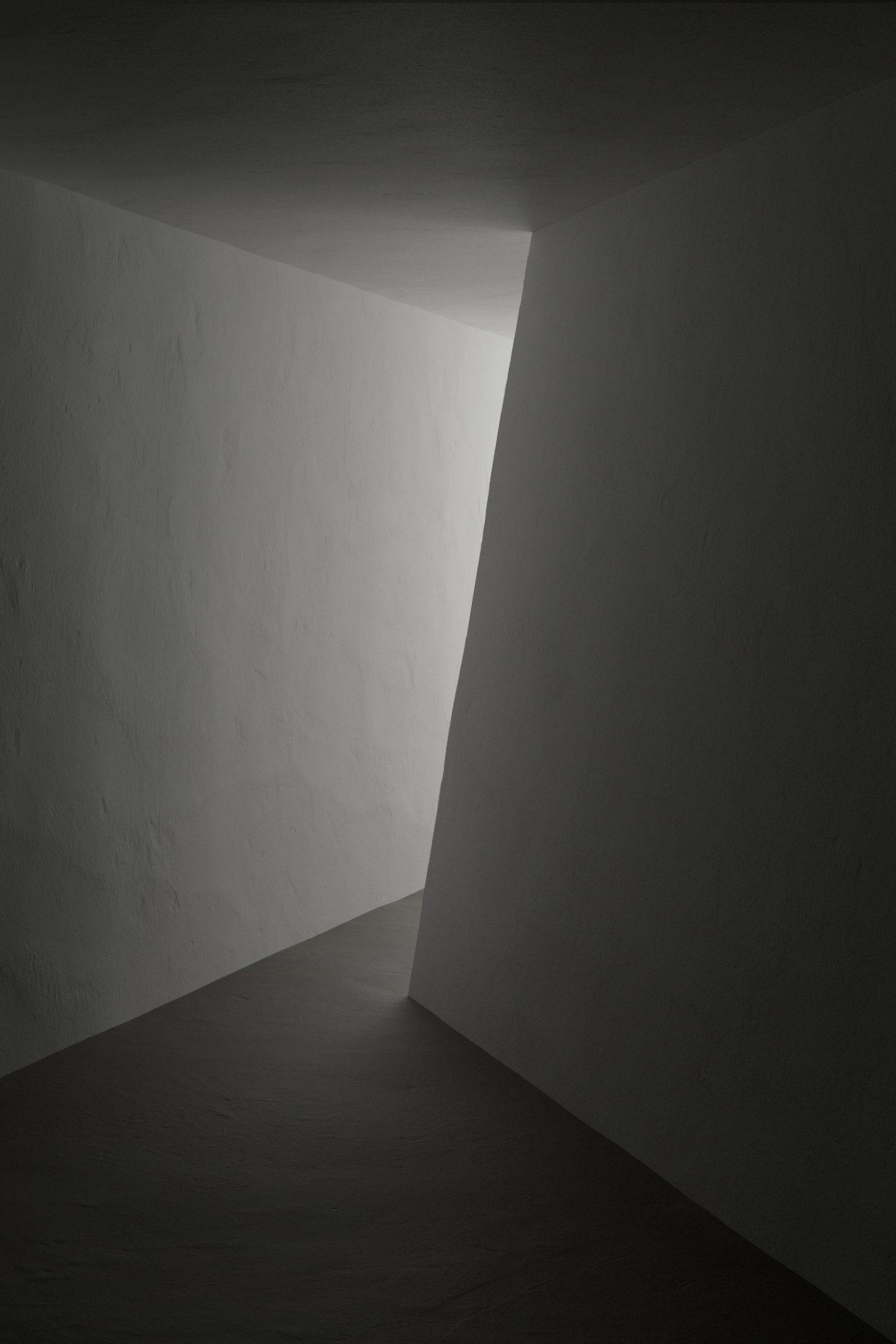 IGNANT-Art-Digital-Taupe-Chiaroscuro-6