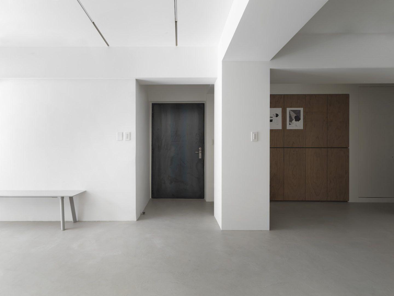 IGNANT-Design-Two-Books-Design-Changs-Apartment-05