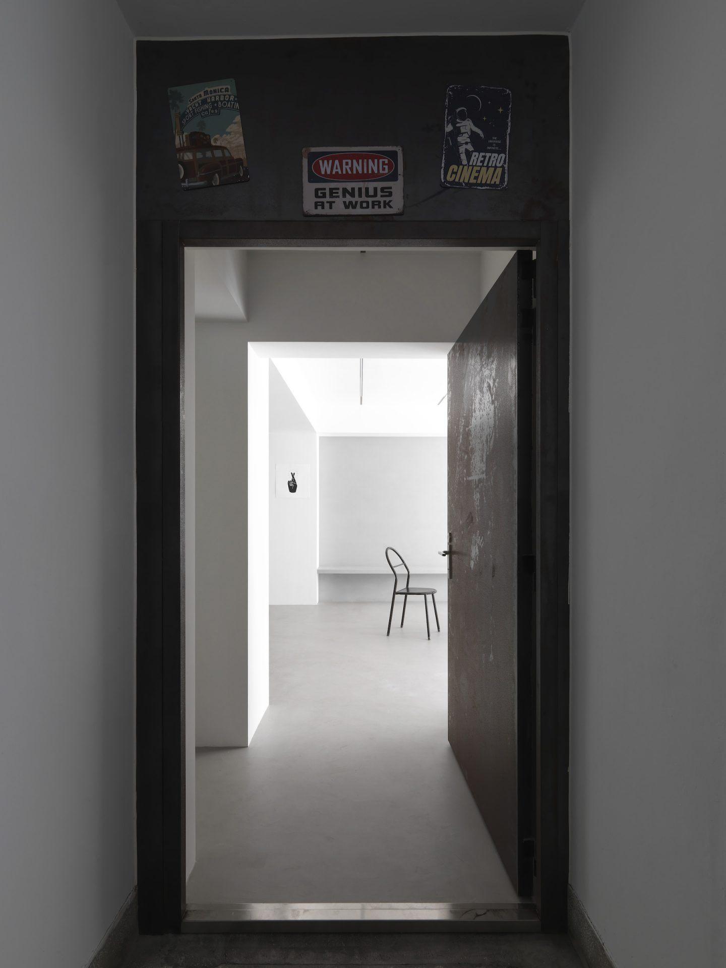 IGNANT-Design-Two-Books-Design-Changs-Apartment-11