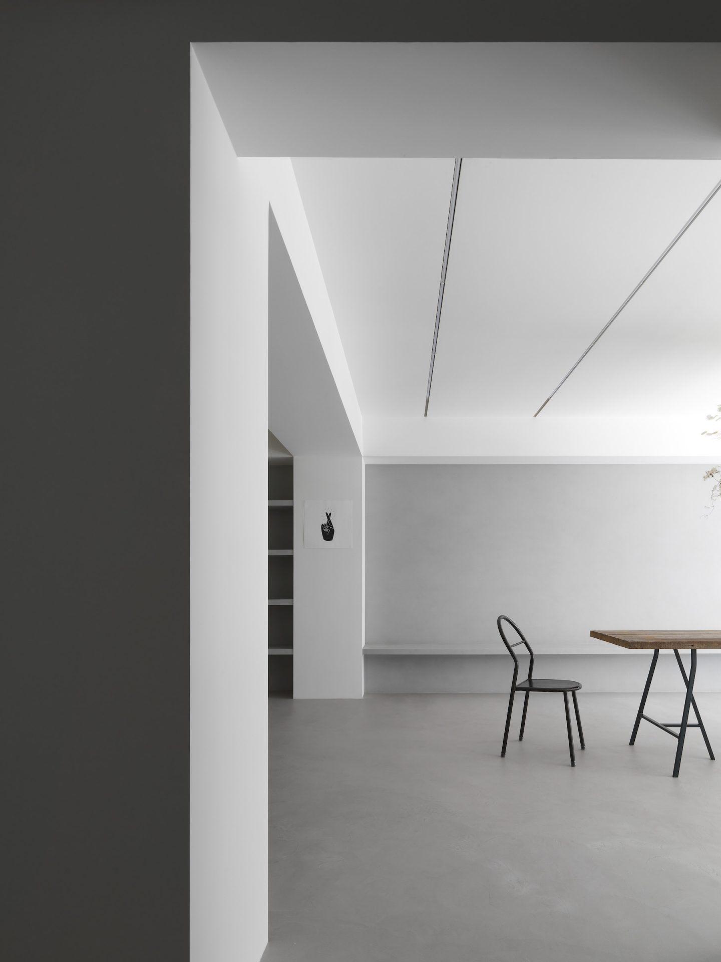 IGNANT-Design-Two-Books-Design-Changs-Apartment-17