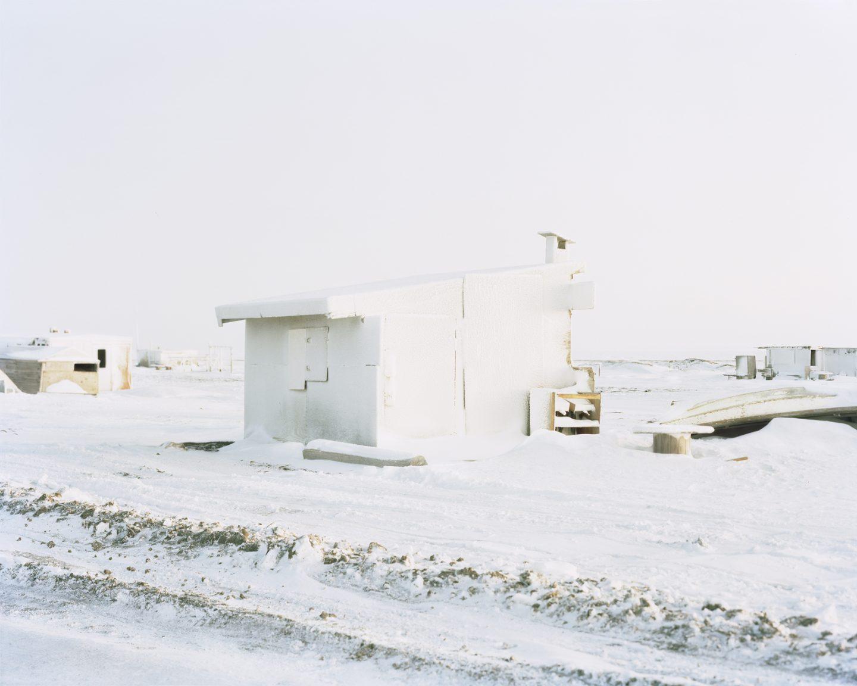 IGNANT-Photography-Eirik-Johnson-Barrow-Cabins-010