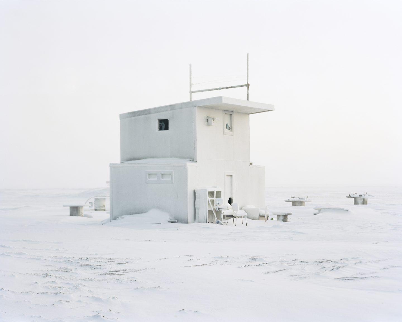 IGNANT-Photography-Eirik-Johnson-Barrow-Cabins-018