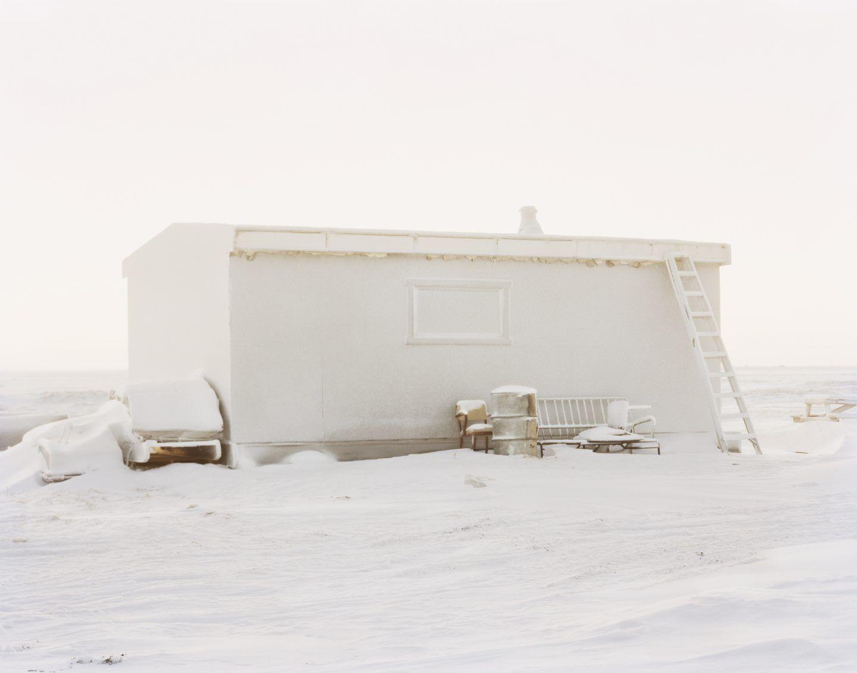 IGNANT-Photography-Eirik-Johnson-Barrow-Cabins-06