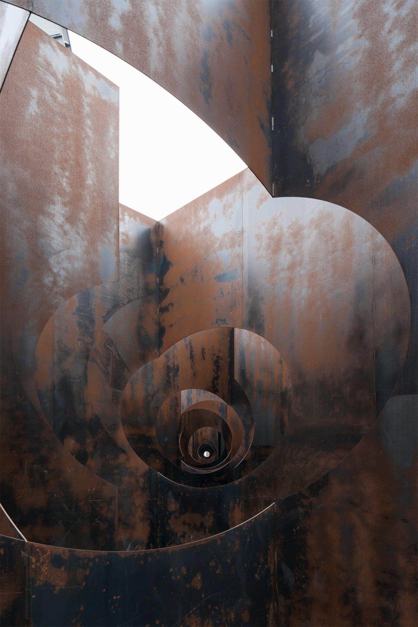 IGNANT-Architecture- Gijs-Van-Vaerenbergh-Labyrinth-Johnny-Umans-017