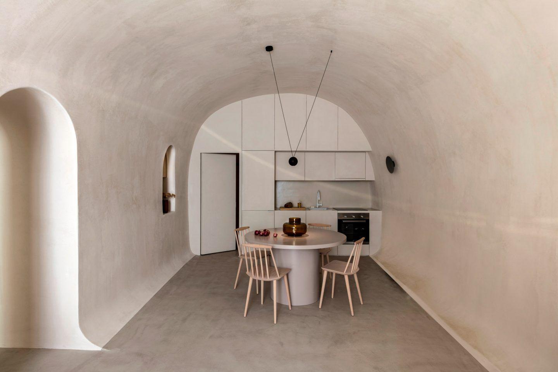IGNANT-Architecture-Kapsimali-Fira-013