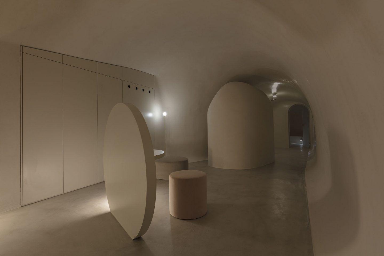 IGNANT-Architecture-Kapsimali-Fira-03