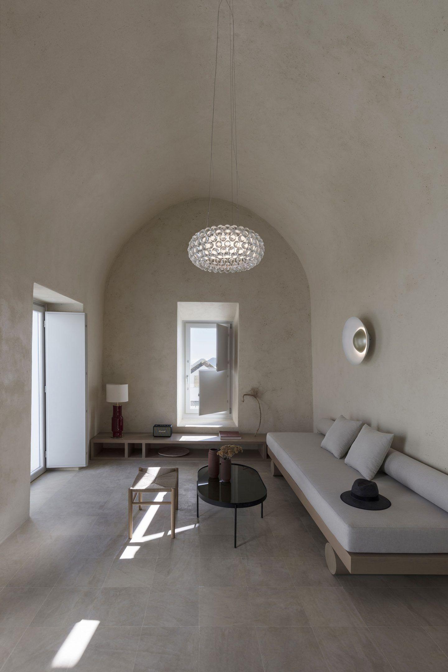 IGNANT-Architecture-Kapsimali-Fira-05