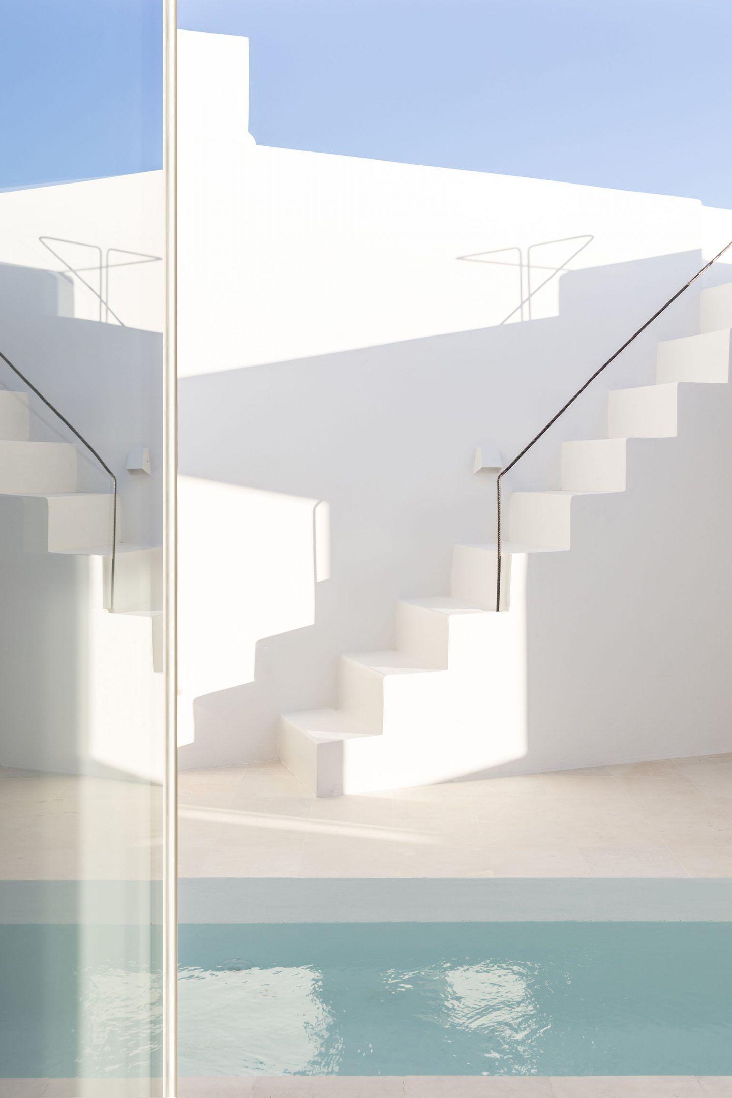 IGNANT-Architecture-Kapsimali-Fira-06