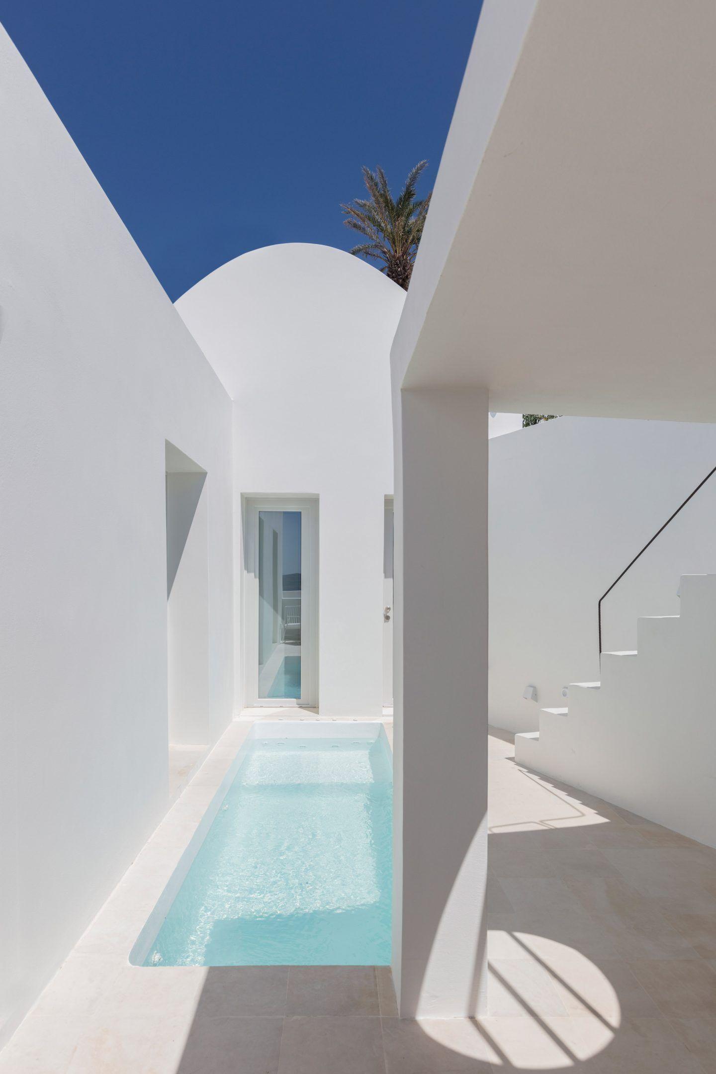 IGNANT-Architecture-Kapsimali-Fira-09