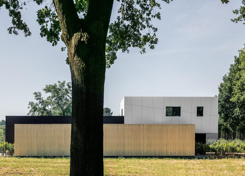 IGNANT-Architecture-Niels-Maier-Oblique-House-015