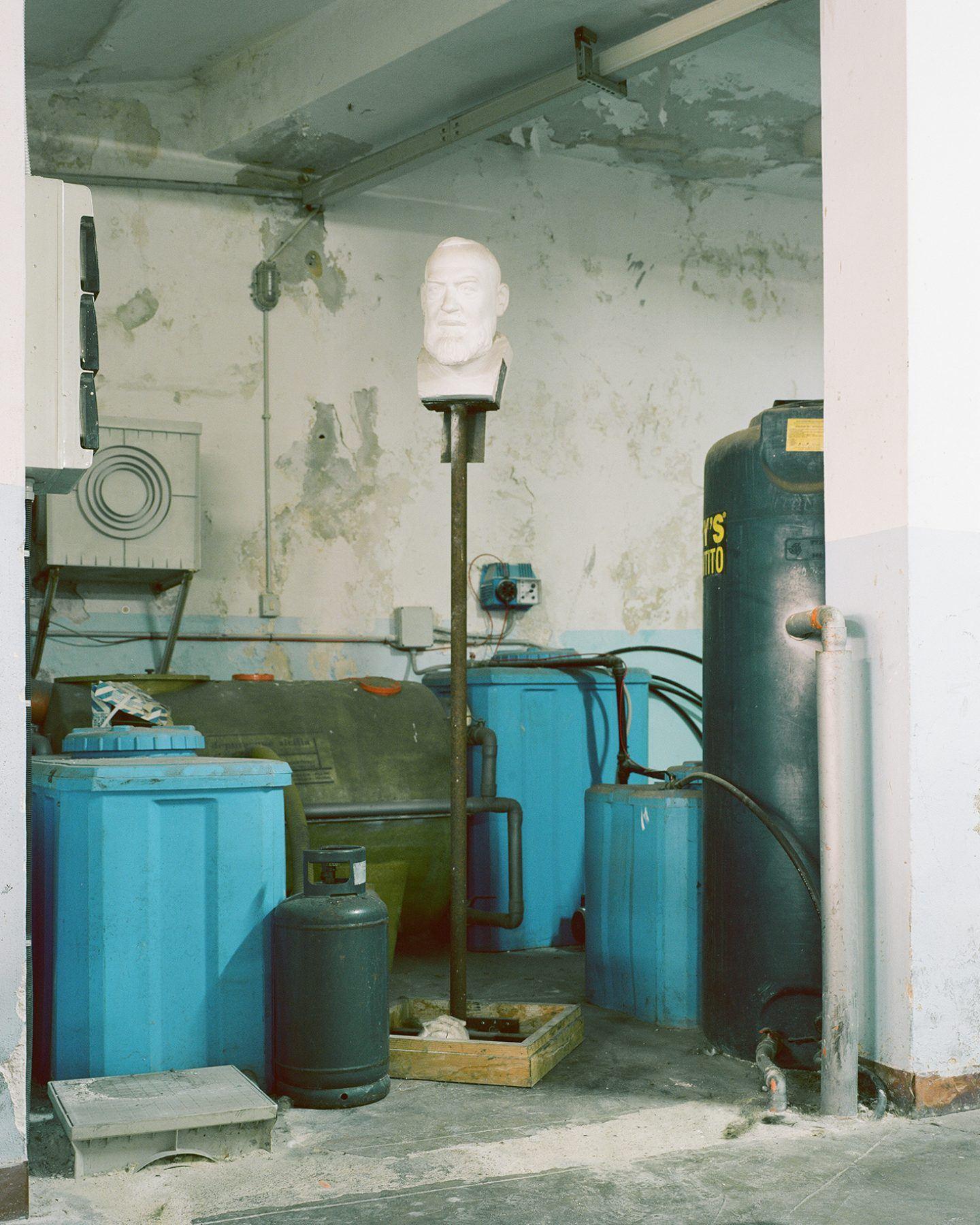 IGNANT-Photography-Pietro-Motisi-Sicilia-Fantasma-014