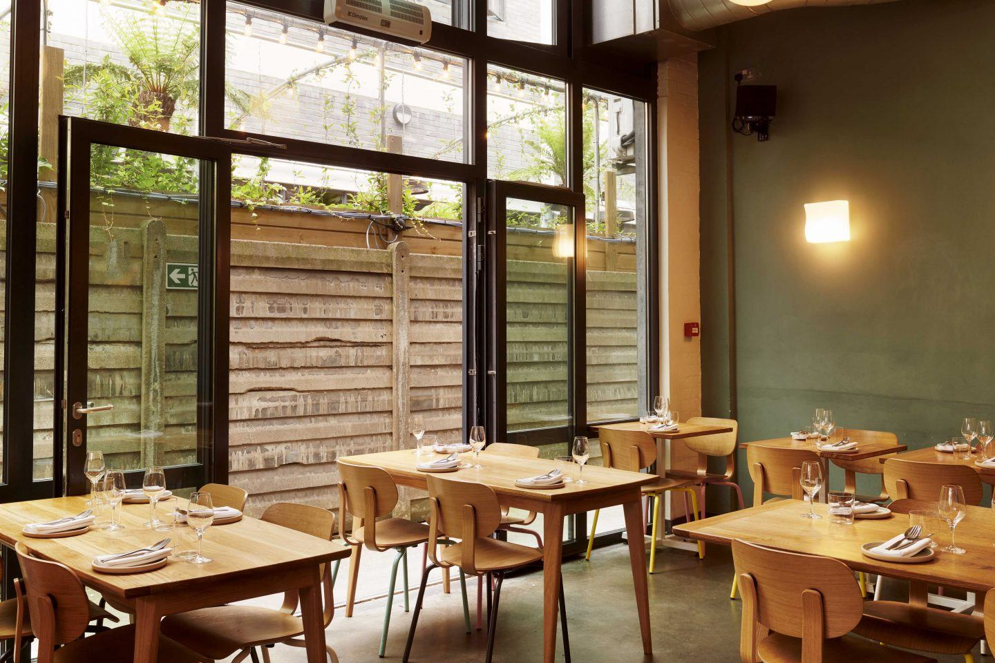 IGNANT-Travel-Bright-Restaurant-London-09