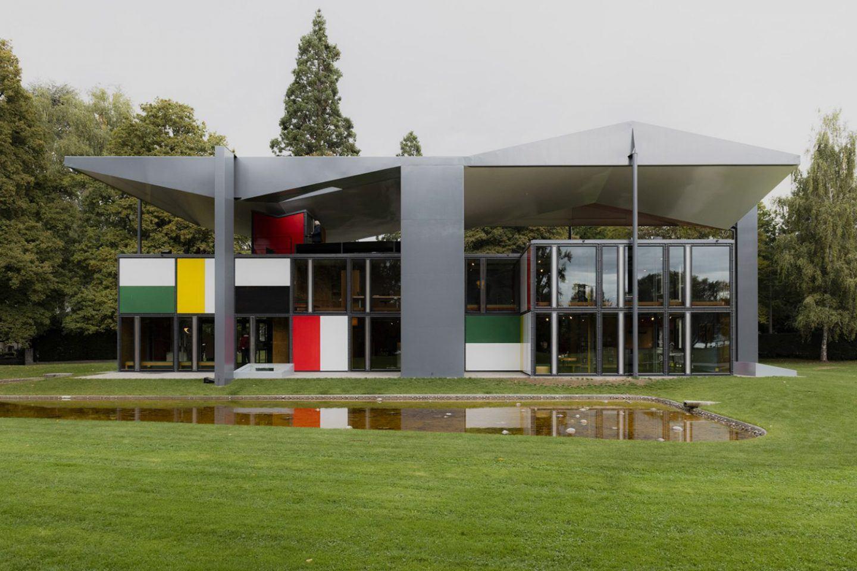 ignant-zurich-swizerland-city-guide-pavillon-corbusier-franz-gruenewald-2
