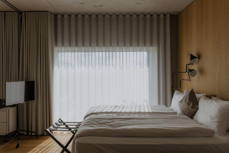 ignant-zurich-swizerland-placid-hotel-franz-gruenewald-4-2048x1365