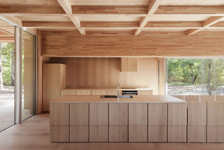 IGNANT-Architecture-Nicolas-Dahan-Wooden-Villa-03