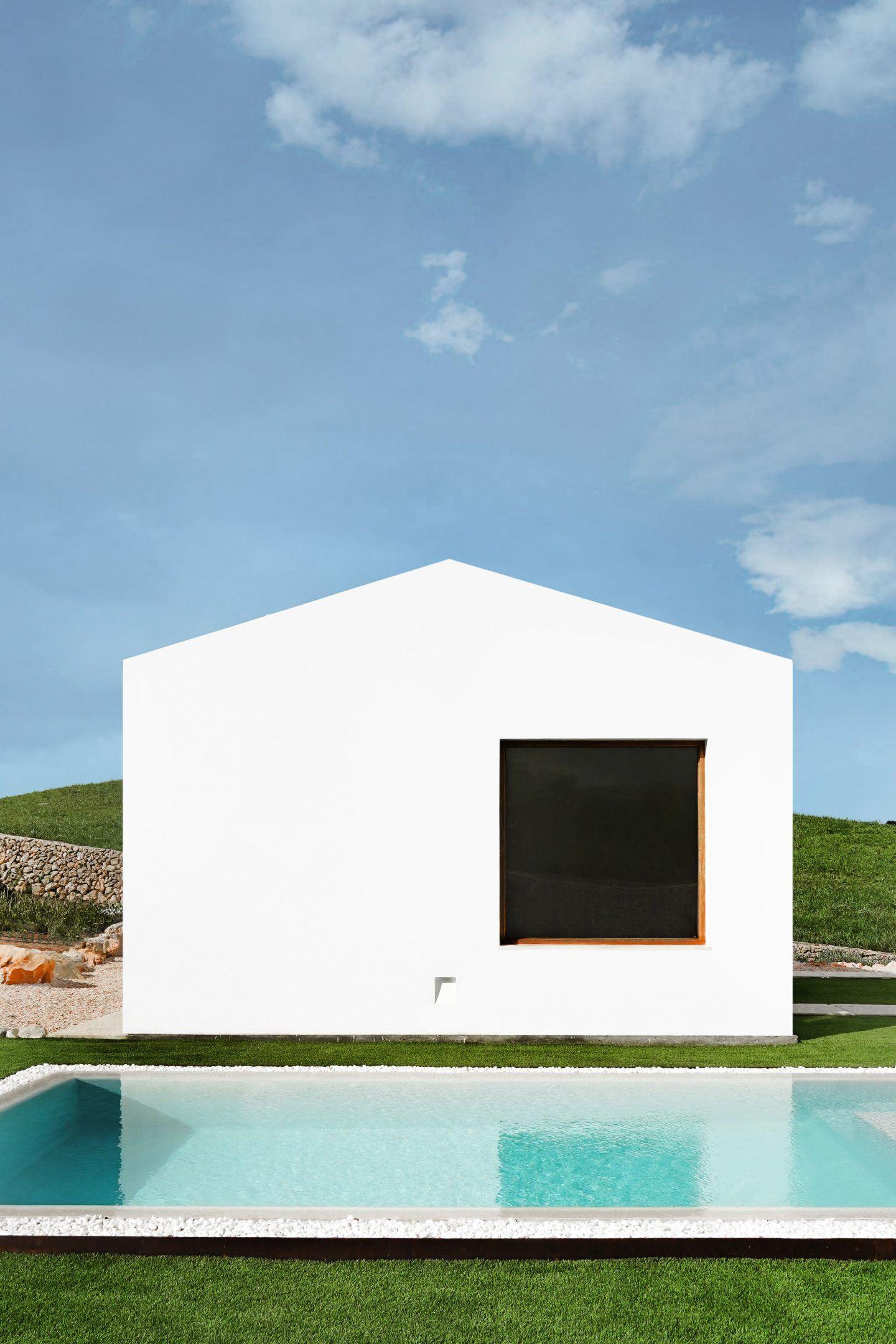 IGNANT-Architecture-Marina-Senabre-Menorca-House-01