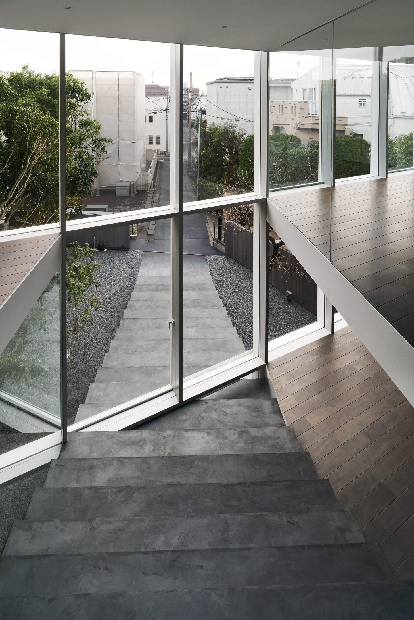 IGNANT-Architecture-Nendo-Stairway-House-04