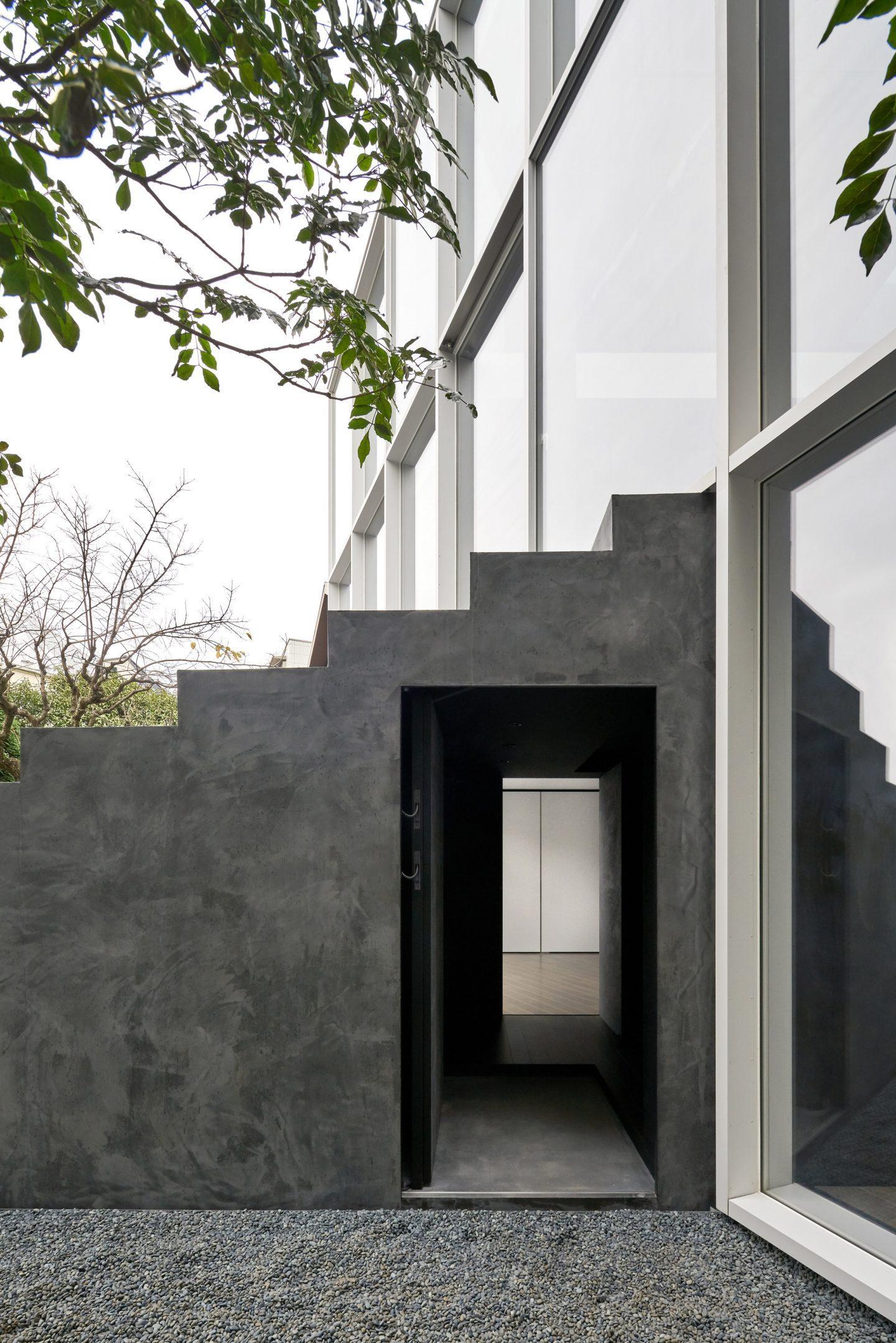 IGNANT-Architecture-Nendo-Stairway-House-08