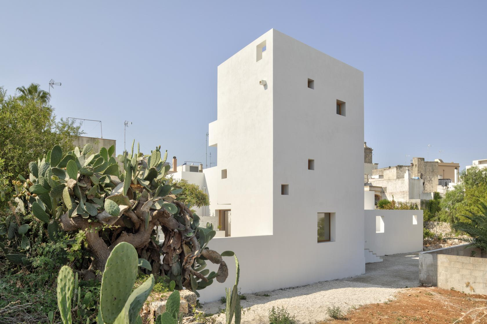 In Southern Italy, Lorenzo Grifantini Has Designed His Own Home As A Cubist White Tower - IGNANT