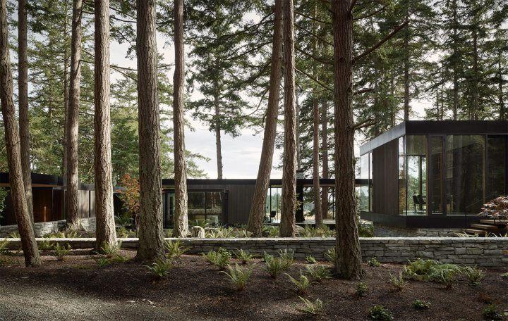 On Washington's Whidbey Island, MWWorks Designs A Modern Farm Retreat