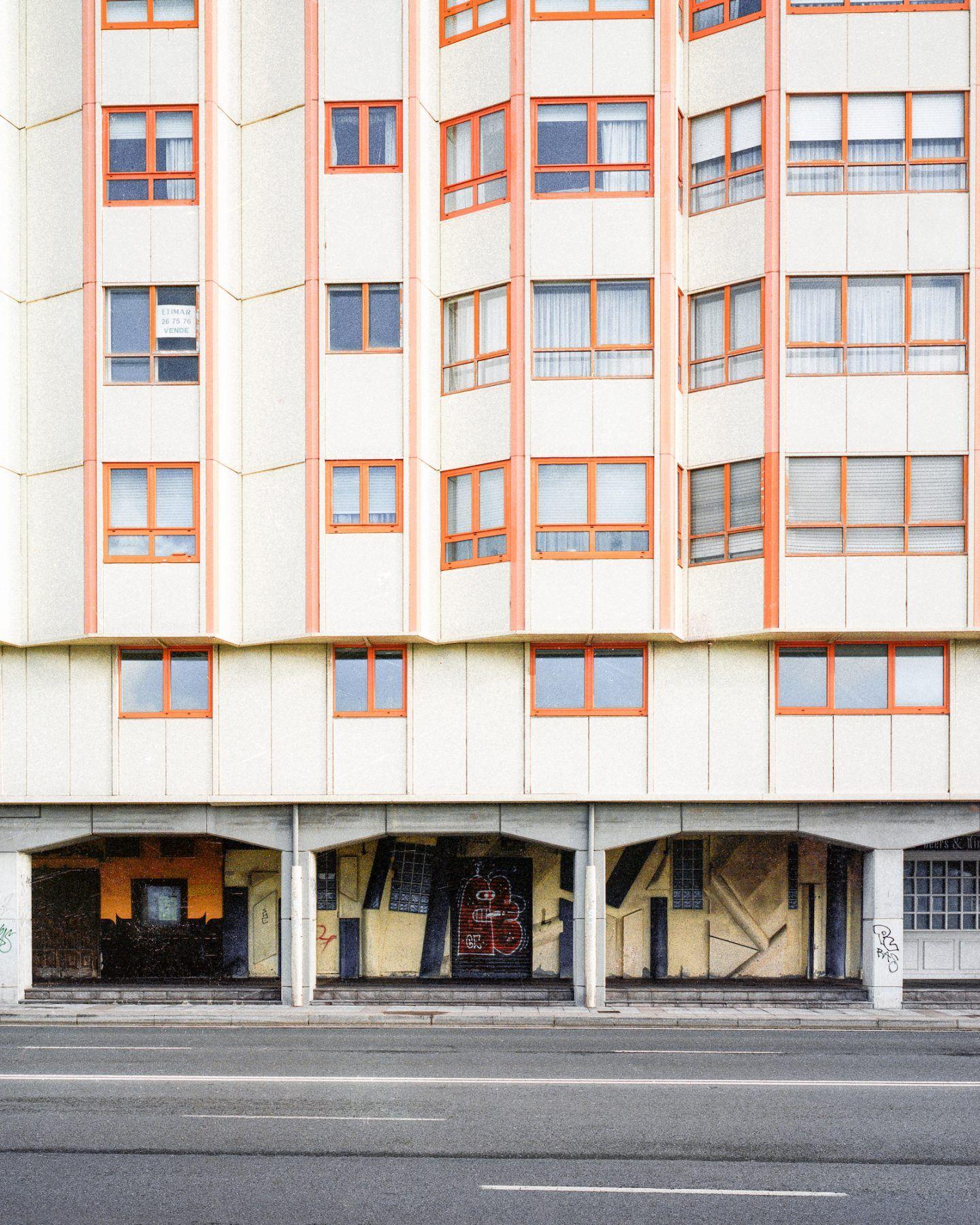 IGNANT-Photography-Pawel-Jaskiewicz-A-Coruna-07