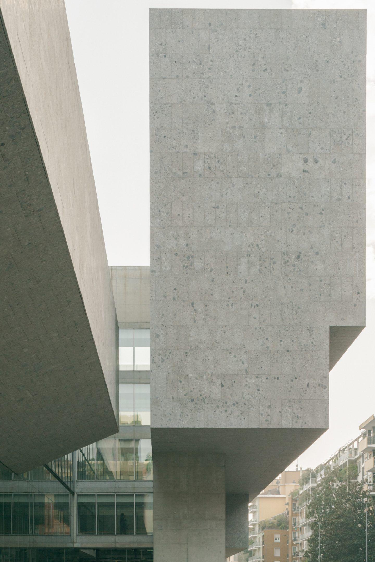 IGNANT-Travel-Lorenzo-Zandri-Grafton-Bocconi-University-06