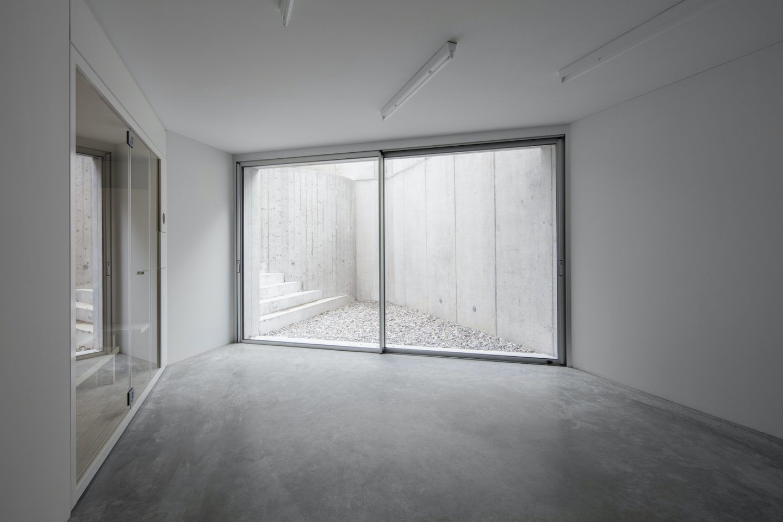 IGNANT-Architecture-DFDC-Concrete-Villa-09
