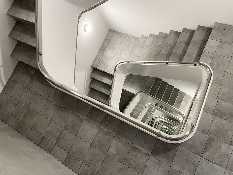 IGNANT-Art-Leandro-Erlich-Staircase-01
