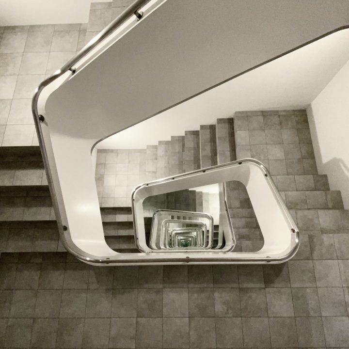 IGNANT-Art-Leandro-Erlich-Staircase-02