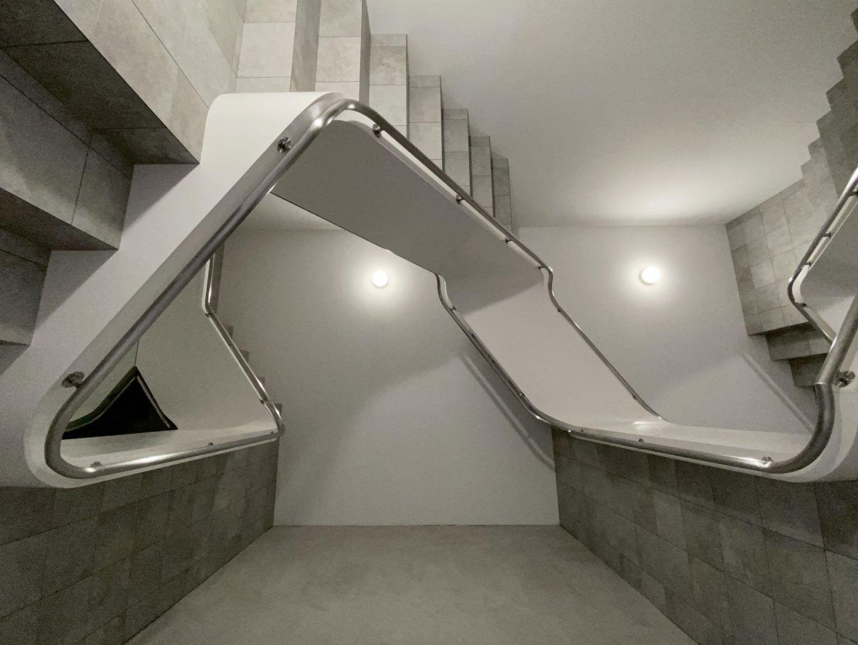 IGNANT-Art-Leandro-Erlich-Staircase-03