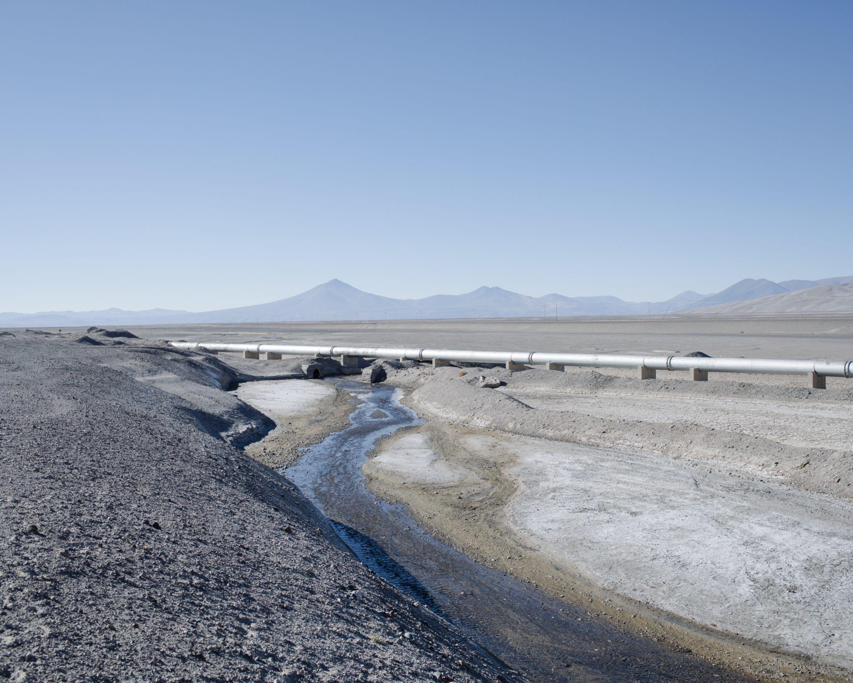 IGNANT-Photography-Marco-Szegers-Water-Mining-Exodus-025