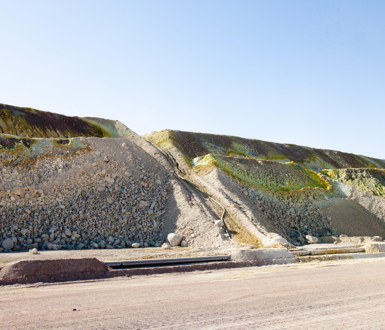 IGNANT-Photography-Marco-Szegers-Water-Mining-Exodus-07