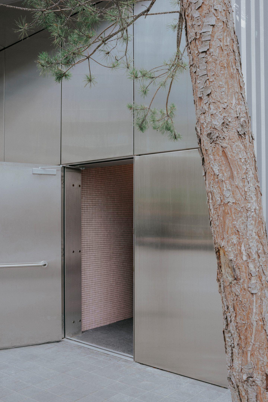 IGNANT-Architecture-North-Greenwich-Sculptural-Screen-11