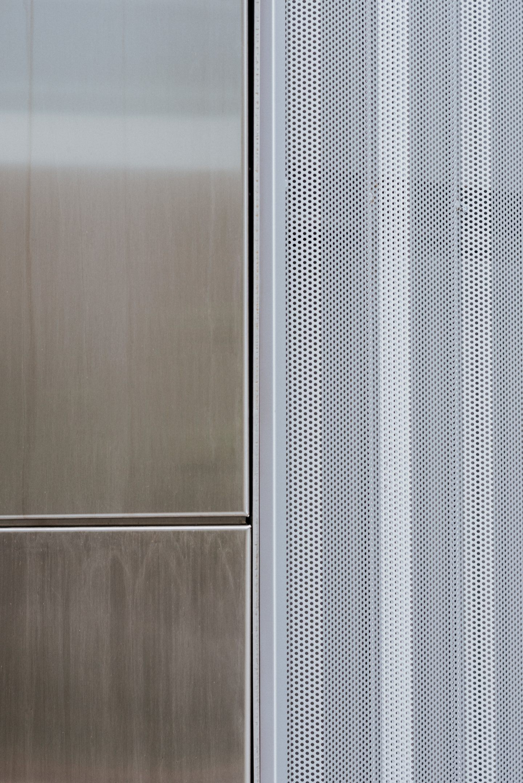 IGNANT-Architecture-North-Greenwich-Sculptural-Screen-12