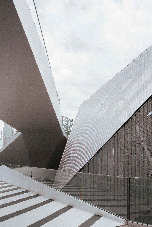 IGNANT-Architecture-North-Greenwich-Sculptural-Screen-14