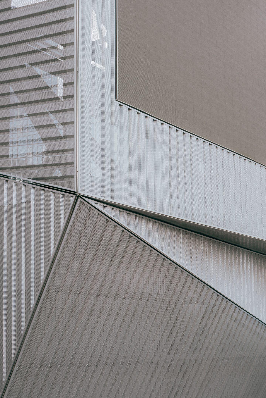 IGNANT-Architecture-North-Greenwich-Sculptural-Screen-3