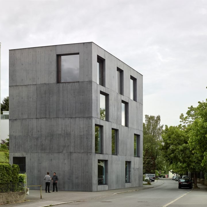 IGNANT-Architecture-Klostergasse-A-Strong-House-02