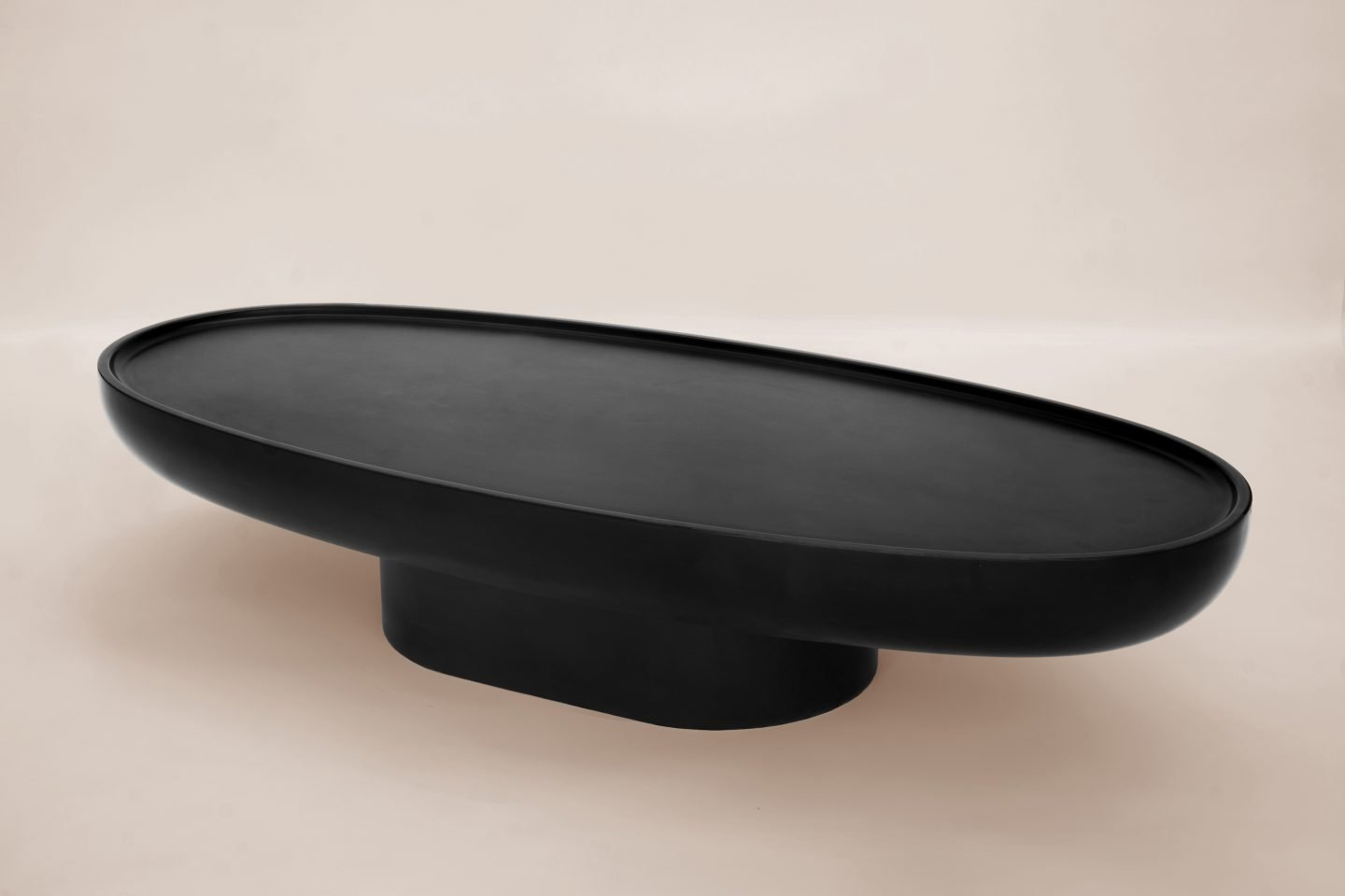 IGNANT-Design-Balzano-Swan-CoffeeTable-2