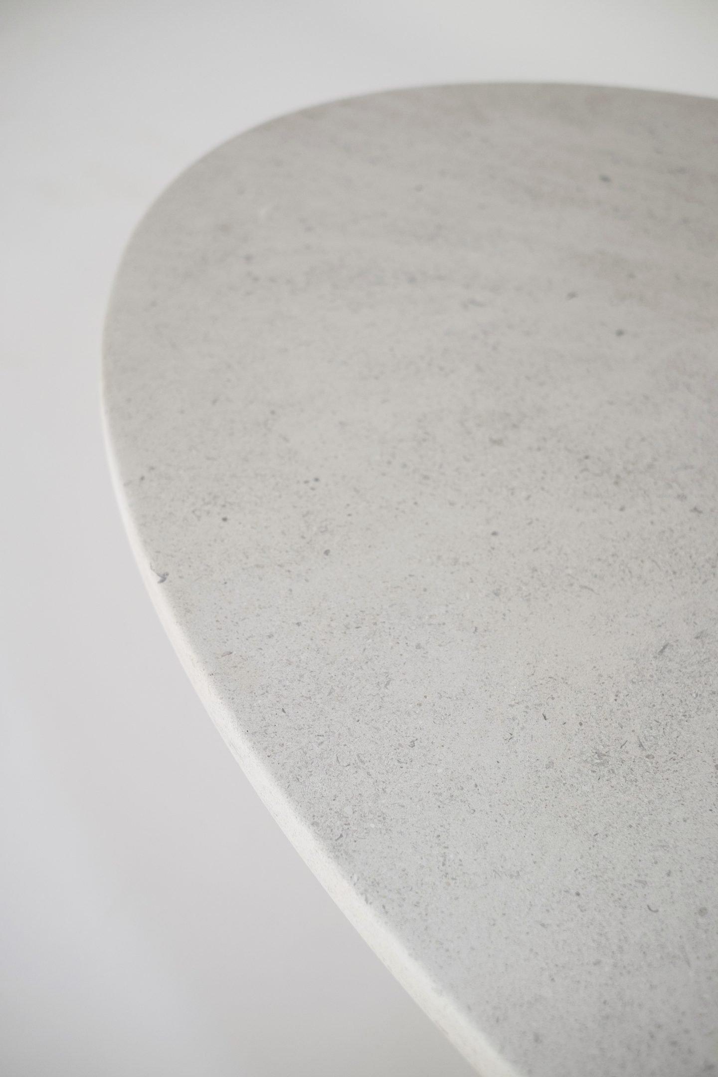 IGNANT-Design-Balzano-SwanII-DiningTable-3