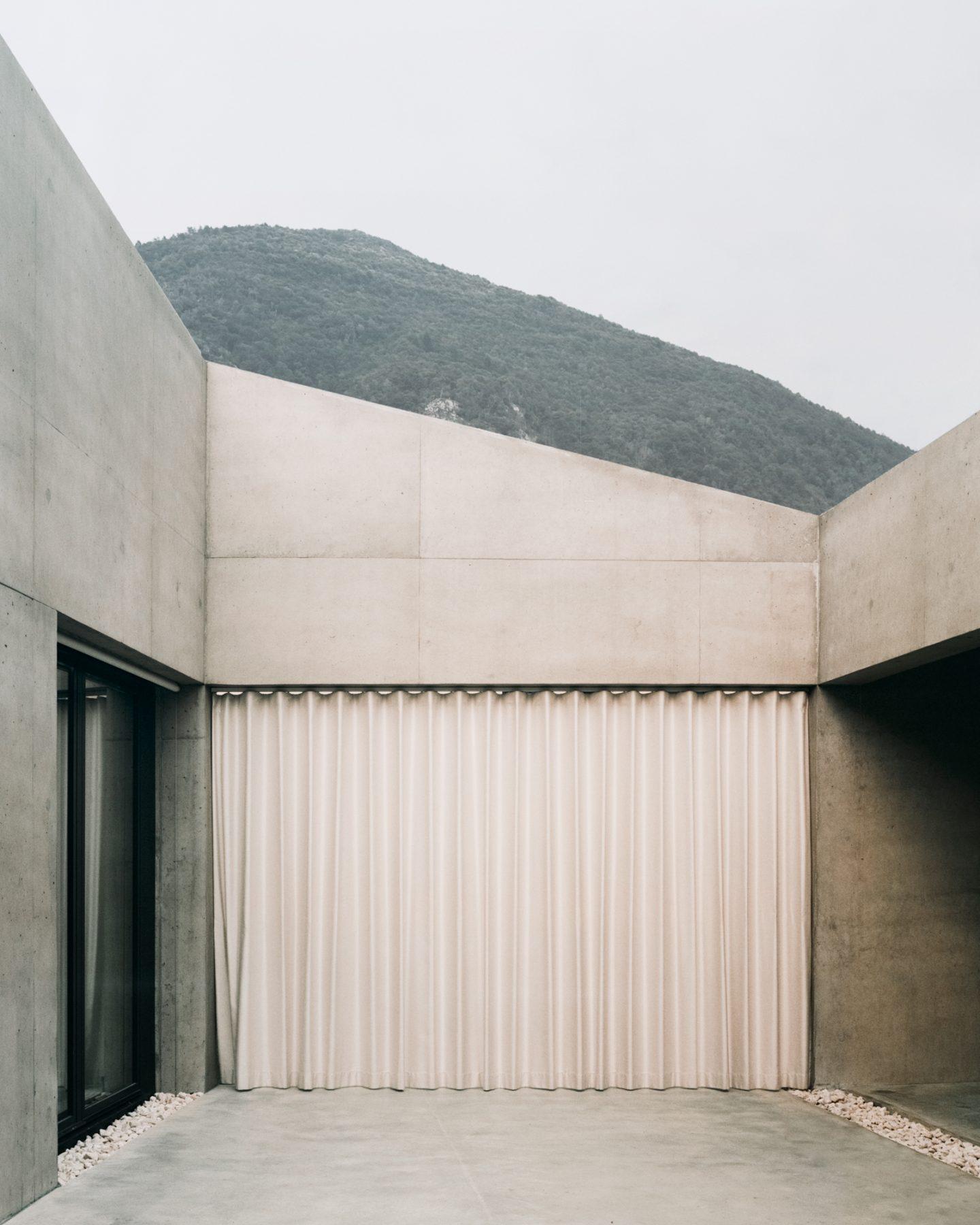 IGNANT-Architecture-DF-DC-Pyramid-House-09