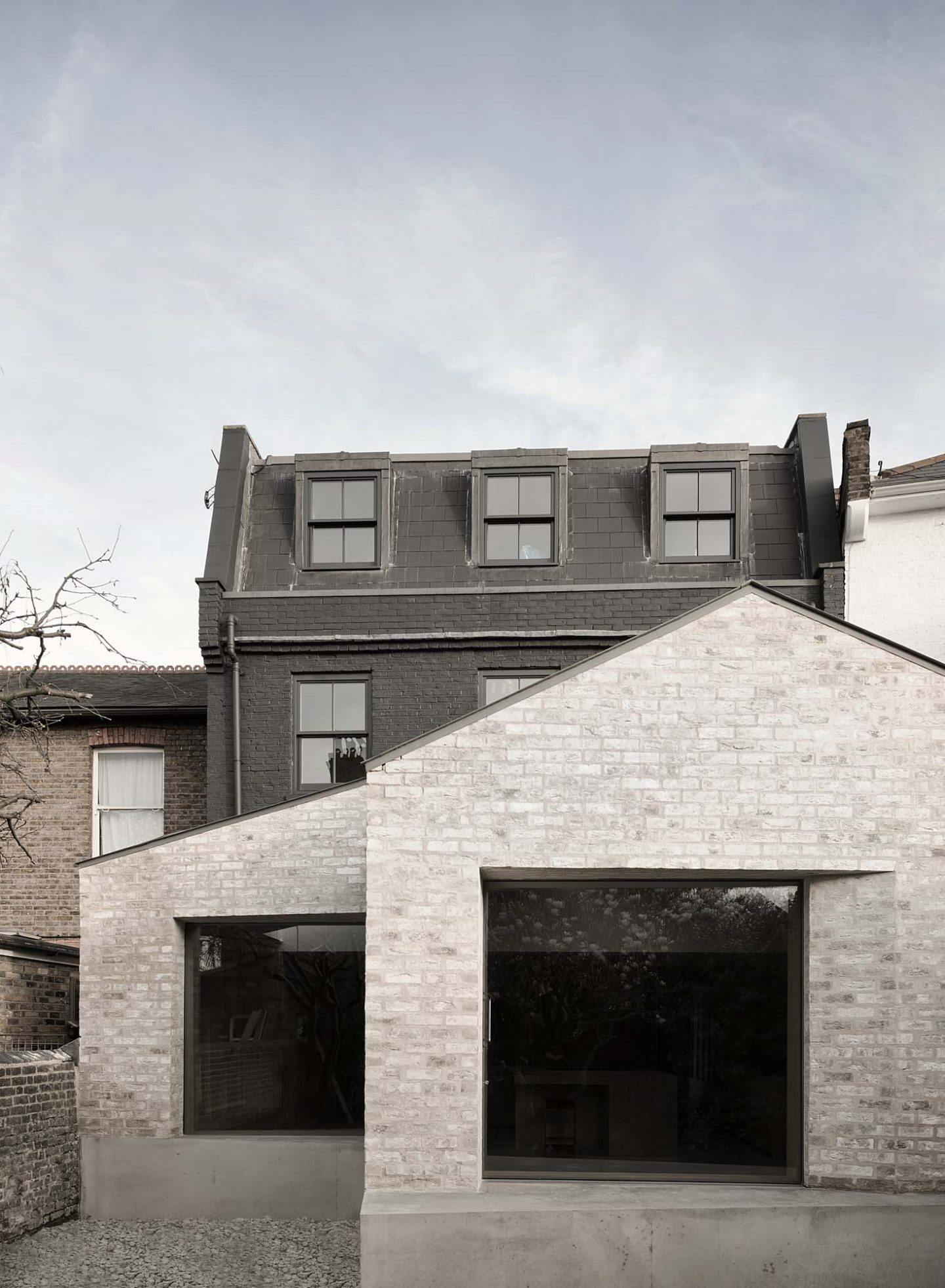 IGNANT-Architecture-Kew-Road-McLaren-Excell-9