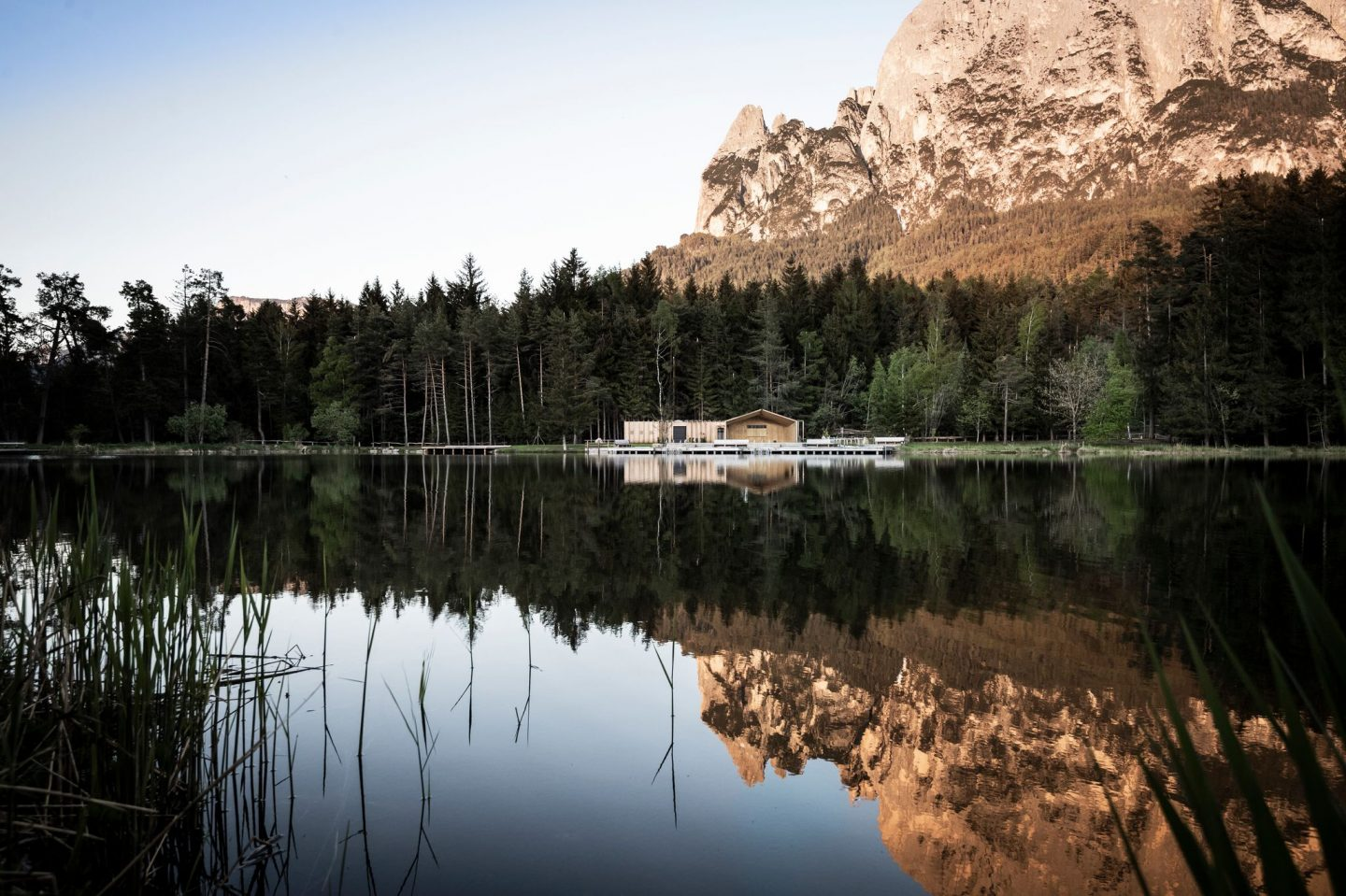 IGNANT-Architecture-South-Tyrol-Lake-house-noa-2