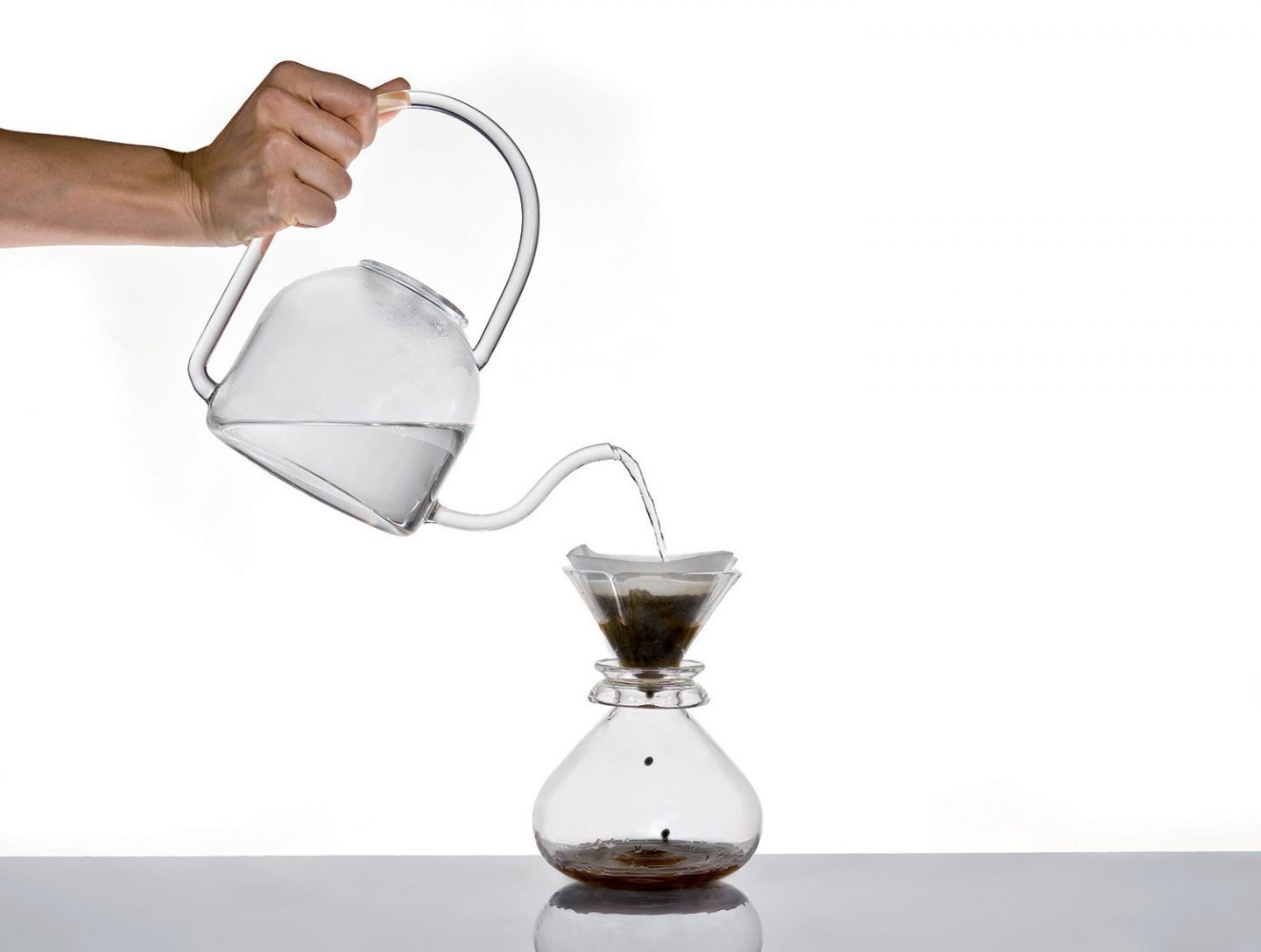IGNANT-Design-Phil-Glass-Drip-Coffee-Maker-Set-14