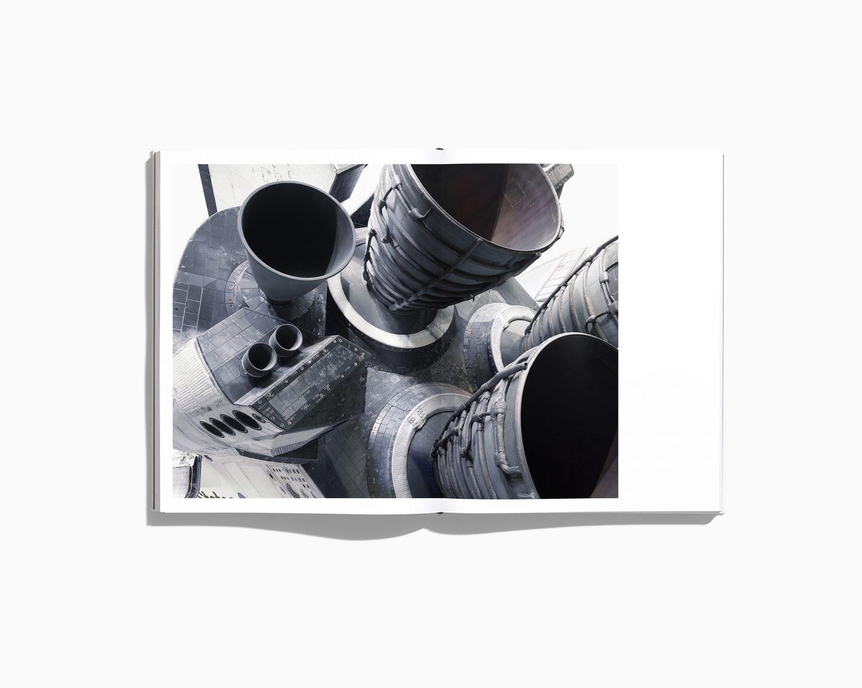 IGNANT-Photography-Benedict-Redgrove-NASABook-5