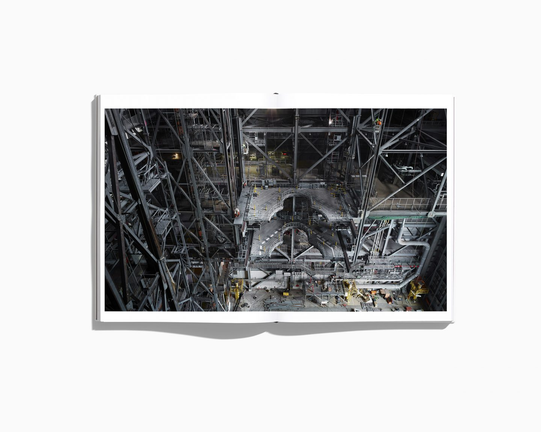 IGNANT-Photography-Benedict-Redgrove-NASABook-6