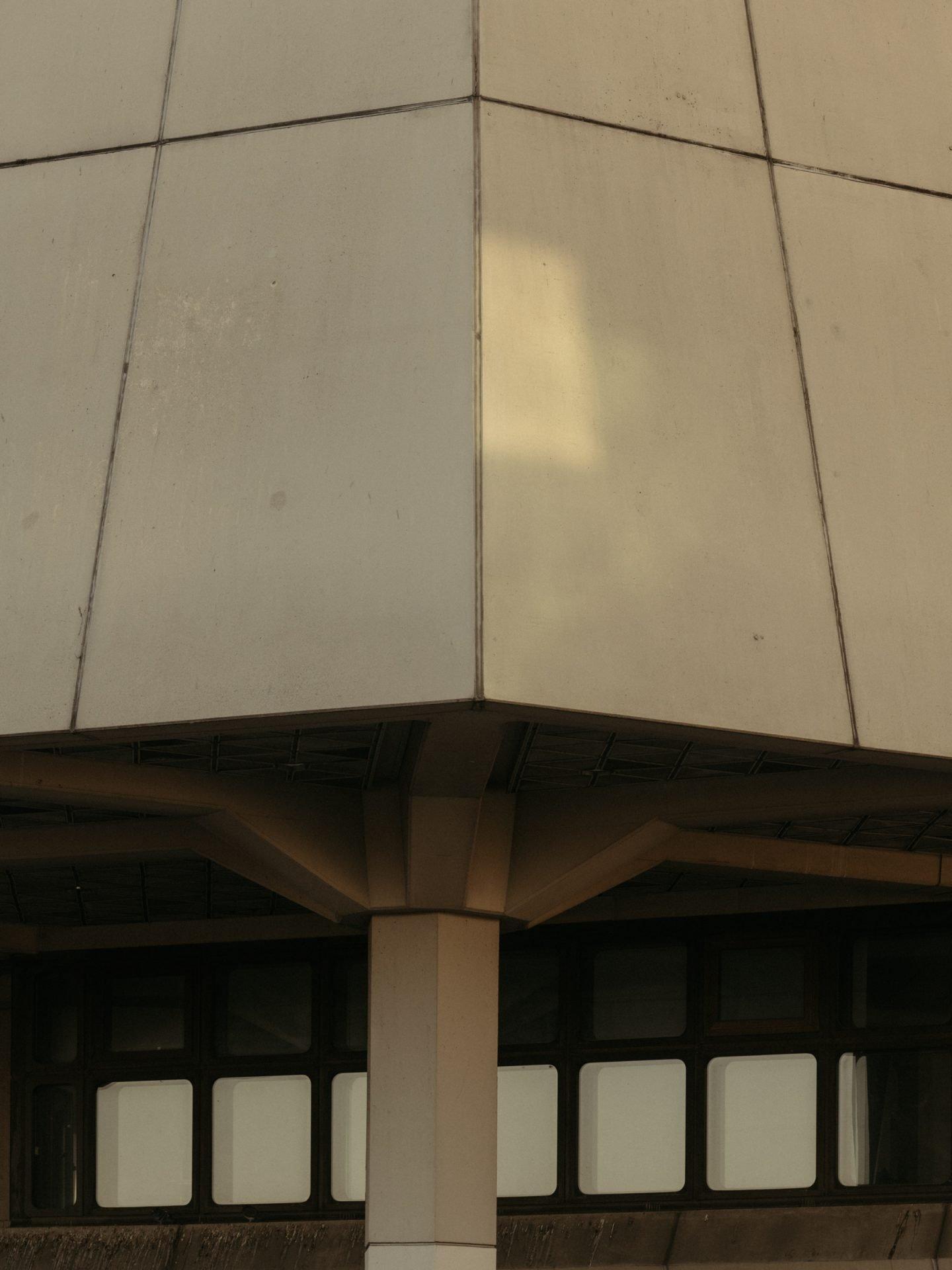 IGNANT-Photography-Flughafen-Tegel-Felix-Bruggemann-Robert-Rieger-02